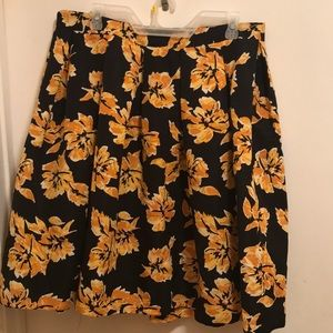 Dresses & Skirts - Floral flare skirt
